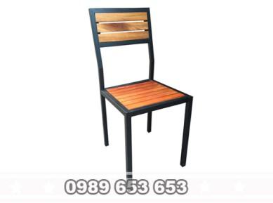 Ghế gỗ thông pallet chân sắt GCS02