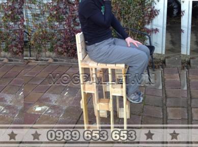 Ghế bar gỗ thông pallet GB17