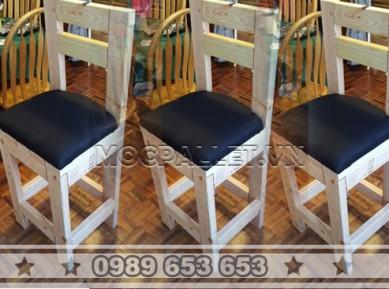 Ghế bar gỗ thông pallet GB16