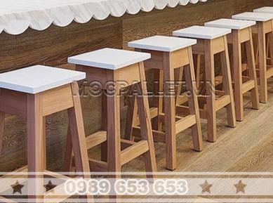 Ghế bar gỗ thông pallet GB21