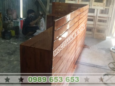 Quầy bar gỗ thông pallet 26