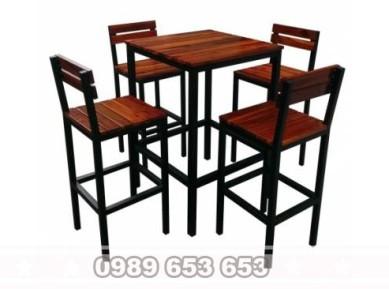 Bộ bàn ghế bar mặt gỗ chân sắt GBS2